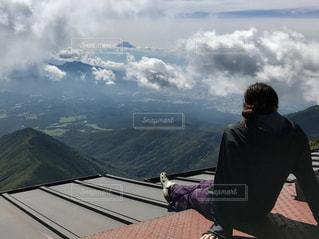 山の前の写真・画像素材[901425]