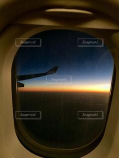 近く飛行機のアップの写真・画像素材[906762]
