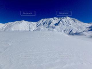 雪に覆われた山 - No.910967