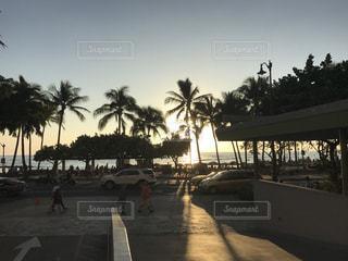 ハワイのサンセット  ワイキキビーチ - No.896366