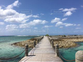 沖縄の海・シェラトンビーチ - No.897955