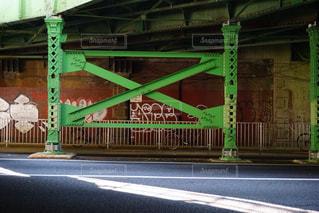 橋下での写真・画像素材[898825]