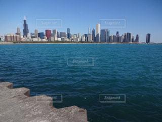 ミシガン湖から撮影したシカゴの写真・画像素材[1806255]