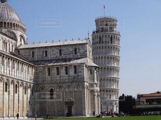 ピサの斜塔の傾きがよく分かる写真の写真・画像素材[1807712]