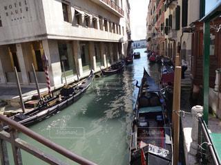 ベネチアの水路の写真・画像素材[1807725]