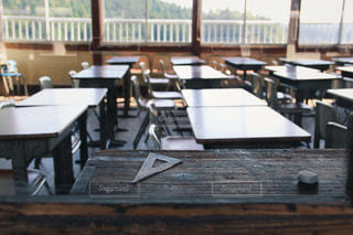 木製のダイニング テーブル - No.901827