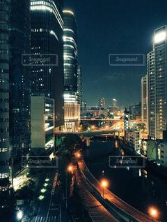 夜の街の景色の写真・画像素材[905496]