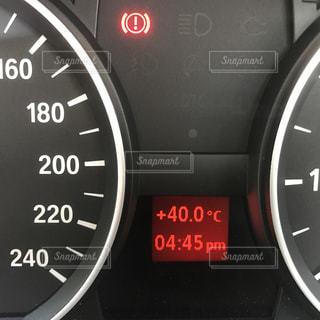 40℃のメーターパネルの写真・画像素材[1312382]