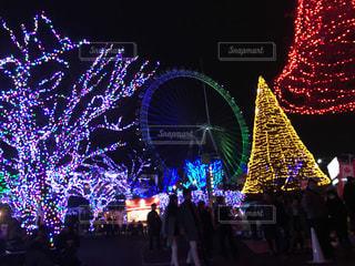夜のテーマパークの写真・画像素材[904660]