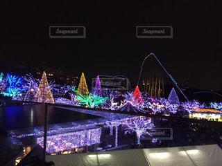 大きな橋が夜ライトアップの写真・画像素材[904665]