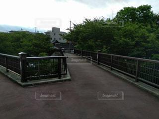 道路の上の橋の写真・画像素材[1132664]