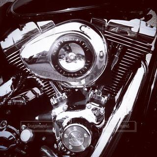 道端とバイクの写真・画像素材[966494]