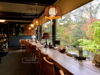 ダイニング ルームのテーブルの写真・画像素材[906008]