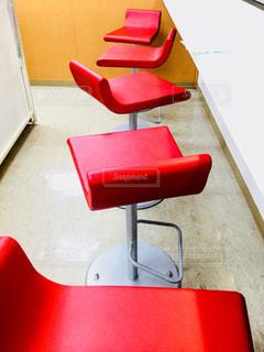 赤い椅子 - No.908148