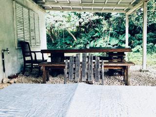 木製のベンチ - No.924430
