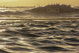 ワイキキビーチのサンセットの写真・画像素材[1029982]