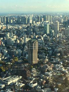 デザイン性のある高層建築物の写真・画像素材[906156]