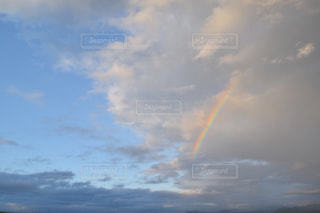 空と青と虹との写真・画像素材[906377]