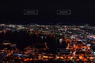 夜の街の景色の写真・画像素材[906434]