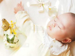 赤ちゃんの手の写真・画像素材[909640]