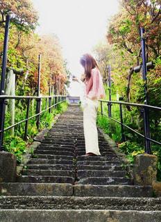 階段での写真・画像素材[911973]