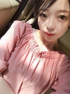 取って、selfie ピンクの髪を持つ人の写真・画像素材[1266137]