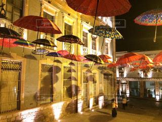 カラフルな傘の写真・画像素材[909164]