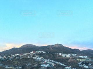 丘と夕焼けの写真・画像素材[911201]