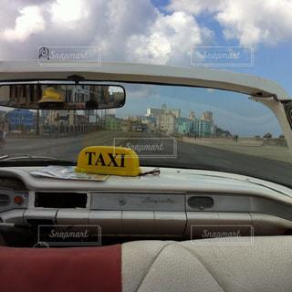 キューバ ハバナ オープンカーからの風景の写真・画像素材[938064]