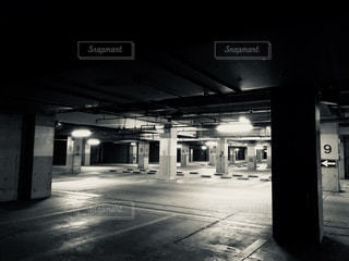 地下駐車場の写真・画像素材[1049023]