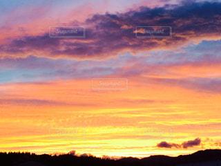 沈む夕日の写真・画像素材[911850]