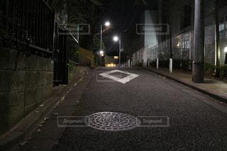 夜に空の街の写真・画像素材[1054001]