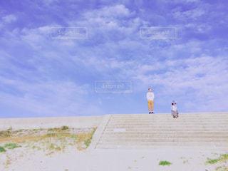 波を待つ人の写真・画像素材[575853]