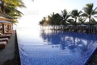ベトナム ダナンのリゾートホテル(プール)の写真・画像素材[915473]