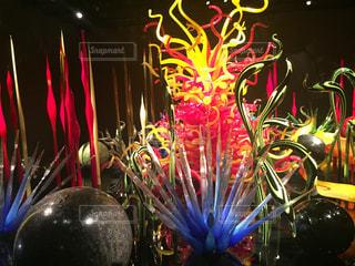 色とりどりの花の花瓶の写真・画像素材[919354]