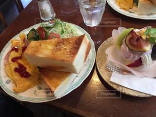 カフェの厚焼きパンの写真・画像素材[919407]
