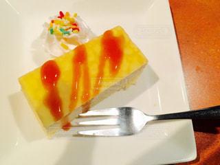 皿の上のケーキ - No.1130548