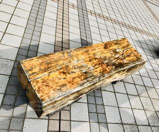 木製のベンチの写真・画像素材[2738320]