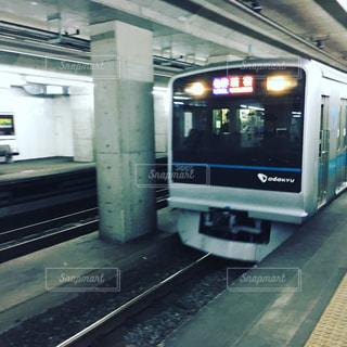 電車の駅で地下鉄の電車 - No.918288