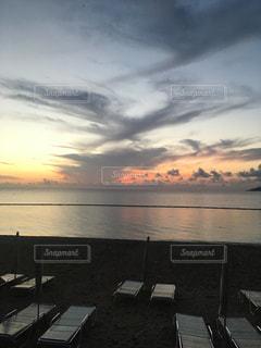 海に沈む夕日の写真・画像素材[918638]