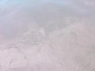 近く雪に覆われた山 - No.920808