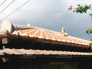 屋根上のシーサーの写真・画像素材[1643761]