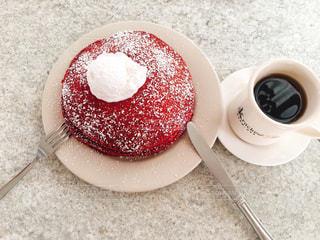 パンケーキとコーヒーカップの写真・画像素材[1651970]