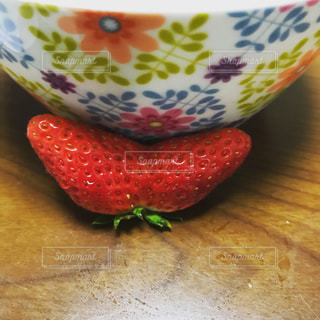 双子のイチゴの写真・画像素材[991570]