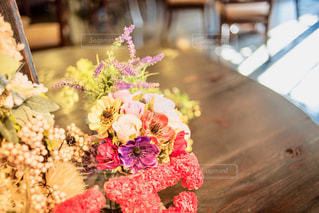 近くの花のアップの写真・画像素材[985171]