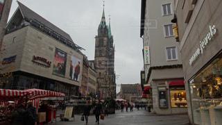 ドイツ ニュルンベルク クリスマスマーケット街並み - No.926148