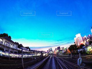 夕方の鶯谷駅の写真・画像素材[1224529]