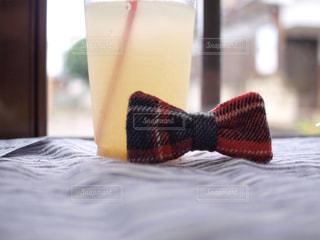 リボンとジュースの写真・画像素材[376164]