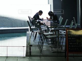 カフェで打ち合わせの写真・画像素材[1175722]