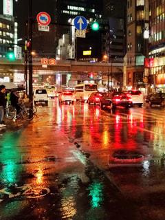 雨の夜の写真・画像素材[1625730]